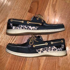 Cheetah Sperry boatshoe size 8